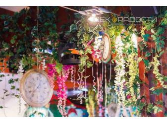 алиса цветочный декор зала