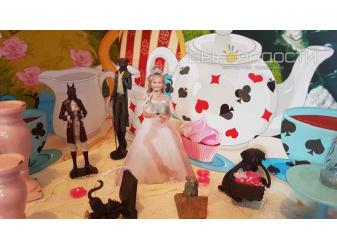 Чаепитие у Шляпника Алиса